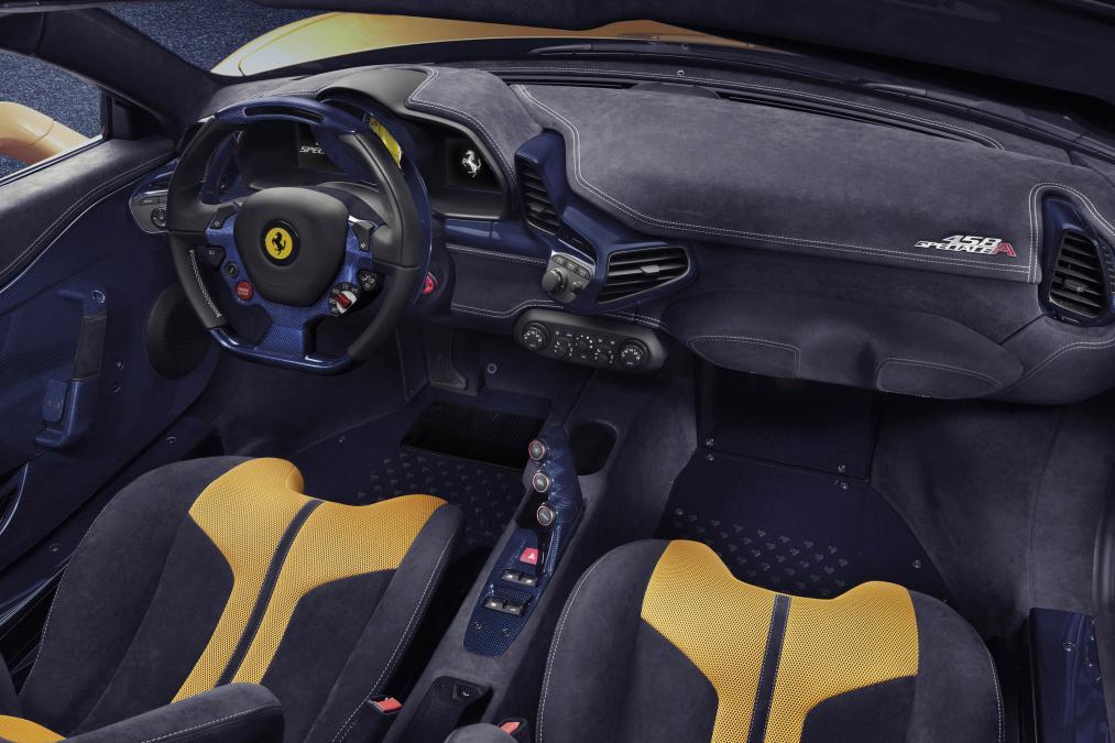 Ferrari 458 Speciale A interior