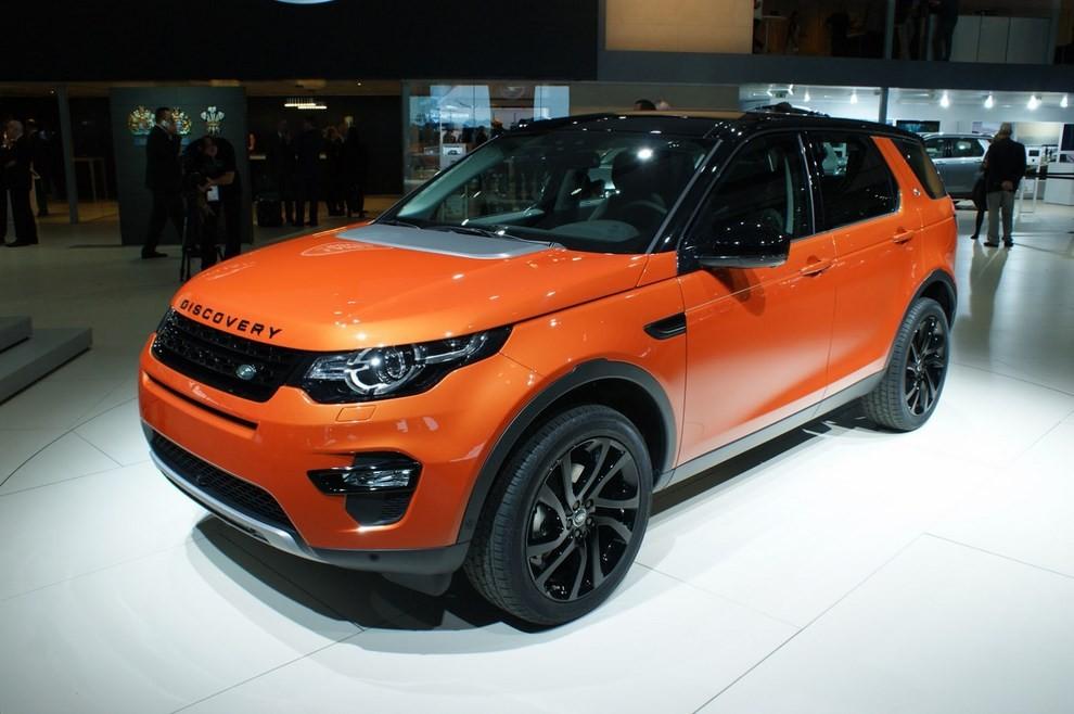 Land Rover Discovery Sport Paris motor show
