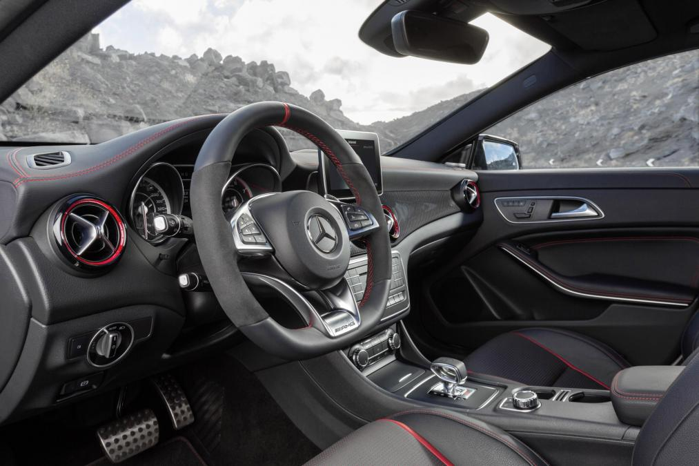 Mercedes CLA45 AMG Shooting Brake interior