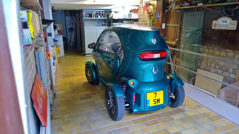 Sir Stirling Moss - Renault Twizy Garage