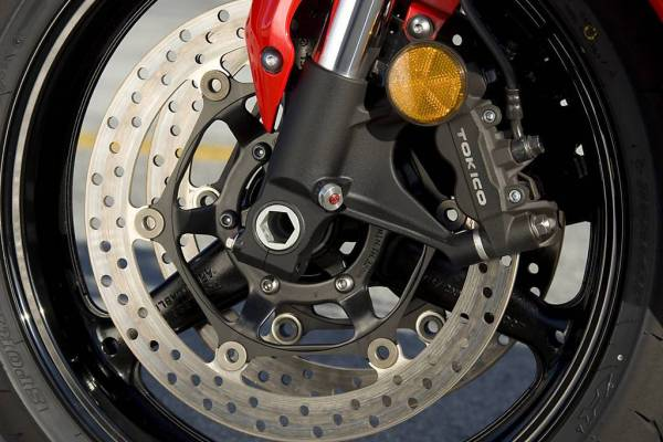 How motorcycle brakes work